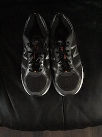 Pair of black low-top sneakers Winnipeg, R2K 3K2