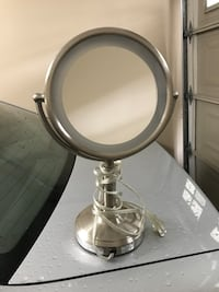 Conair double sided light up mirror Surrey, V3S 1S8