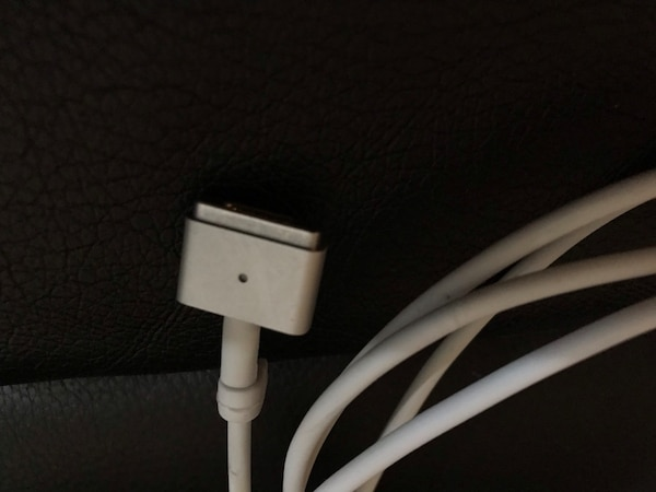 65W MagSafe 2 Charger 1 3