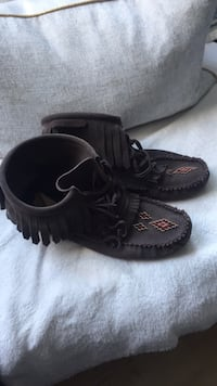 Women's size 10 dark brown moccasins  Calgary, T2T 2A2