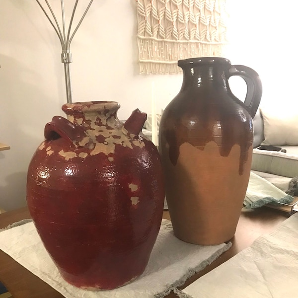 Red and brown terra cotta vases