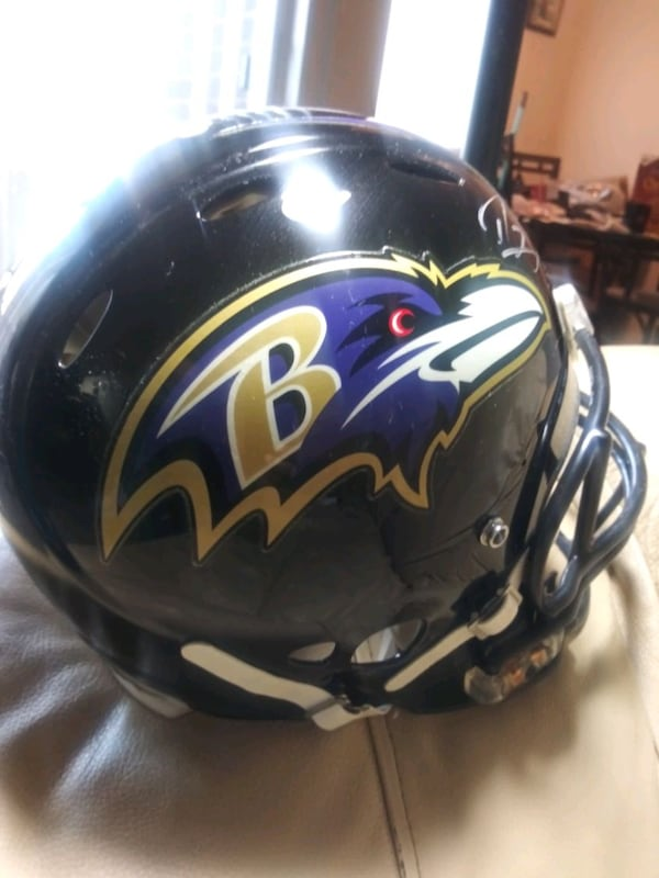 Ray Lewis Signed. Ravens Ridell hekmet. 4a6a5fe0-31ce-4112-993e-62503b2ece17