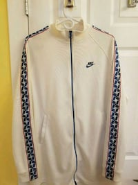 Mens Nike zip up jacket with taped arms Surrey, V4N 1N1