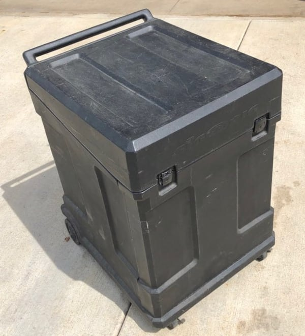 SKB Gig Rig Rack Case With mixer top and Casters 10U 2400fd23-1c97-4ee1-a80d-badf2f1f2c21