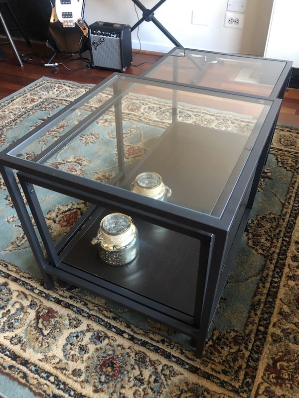 Glass coffee tables, set of 2 99d8fbdf-3b4e-4110-aa17-26320980e803