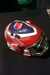 Casque de gardien de but canadien