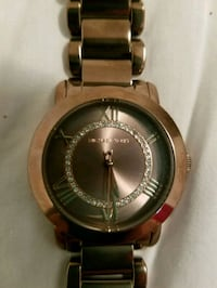 round silver-colored analog watch with link bracelet Wellington, 44090