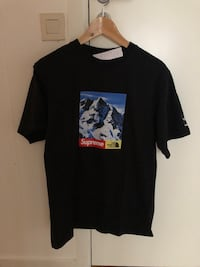Supreme X The North Face Mountain T-shirt (Medium) Stockholm, 111 57