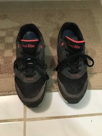 Woman safety shoe size 8.5 Mississauga, L4T 1N1