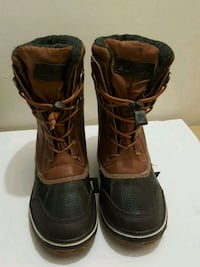 pair of brown leather combat boots Toronto, M1P 2N1