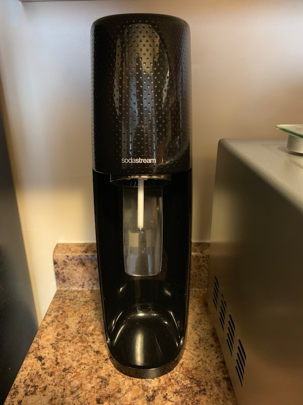 Sodastream with 3 pack of bottles