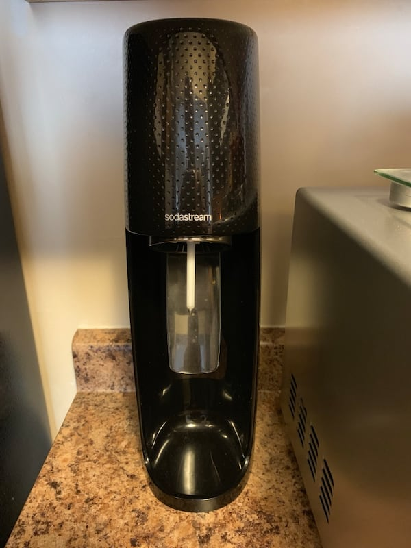 Sodastream with 3 pack of bottles c9a0db00-c763-4f74-bf43-f39f58b14690