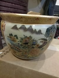 Authentic Chinese hand painted vase.  Germantown, 20874