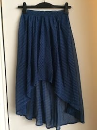 Women's blue dotted skirt size xsmall Vancouver, V5T 1K9