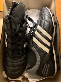 Adidas soccer cleets