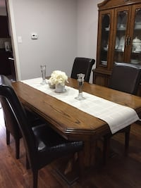 Dining table Mississauga, L5L 4W2