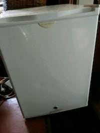 """Fridgidaire small refrigerator about 29"""" high. Meridian, 39301"""