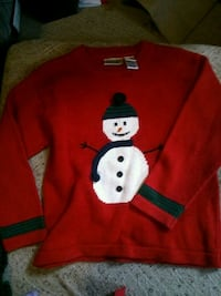 Girls sweater size 7 pick up only London, N5W 2Y8