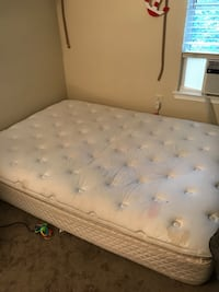 Used queen size mattress/ cama colchon usado Germantown, 20874