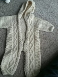 white and gray knitted scarf Arlington, 22209
