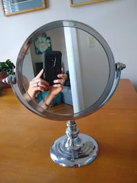 Double-sided magnifying mirror Boston