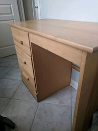 Maple wood desk with three drawers Milton, L9T 5L6