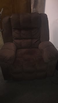 brown fabric recliner sofa chair Chicago, 60620