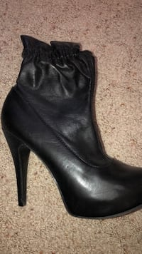 Chinese Laundry Leather Booties Size 7