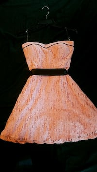 Size 3 pink and black lace strapless dress Nappanee, 46550