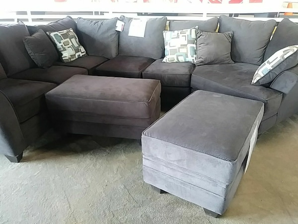 Stupendous Grey Leather Sectional Sofa With Two Ottomans Spiritservingveterans Wood Chair Design Ideas Spiritservingveteransorg