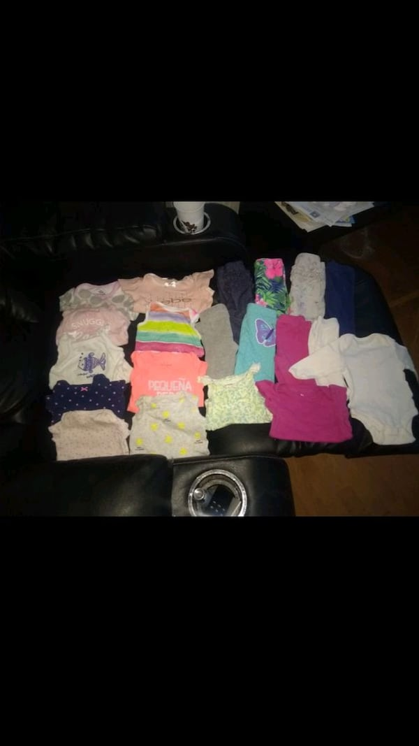 Baby girl clothes 0-3 months 4
