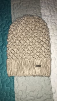 Brown and white knit beanie Stockton, 95207