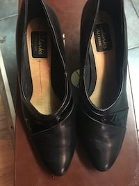 CLARKS LEATHER BOOTIES,size 7..mint condition Toronto, M4C 4E5