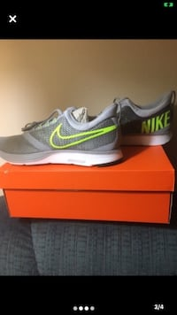 Brand New Men's Nike Shoes Sz 10.5 Carlisle, 50047