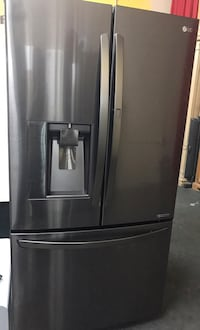 2018 Model LG Charcoal French Doors Stainless Still Refrigerador  Los Angeles, 90031