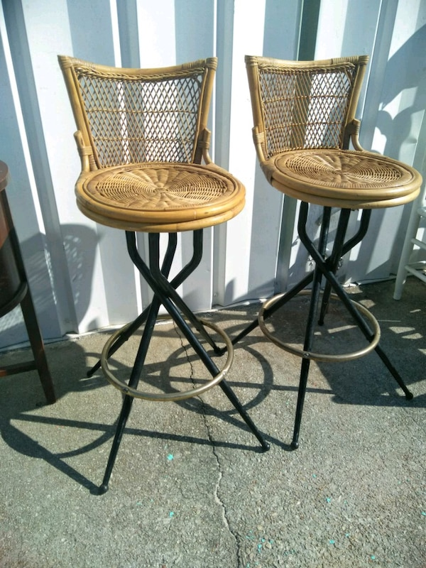 Used Set Of 2 Mid Century 30 Swivel Bar Stools For Sale In