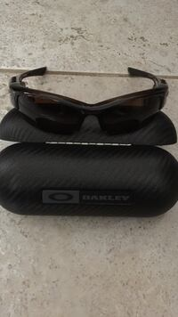 Brand new Oakley Thumps  never used Honolulu, 96826