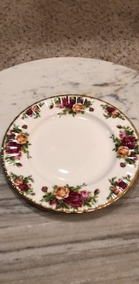 Old Country Roses salad plate  fine china 706 mi