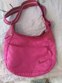 pink nike purse in all the right conditioner Vancouver, V5T 0B5
