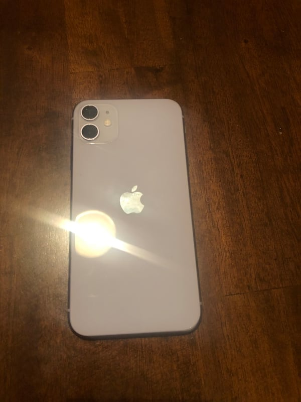 Iphone 11 29bf2305-995f-48f0-ad48-9387355d019c