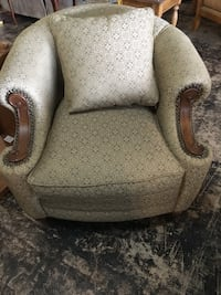 Beautiful side chair Jacksonville, 32277