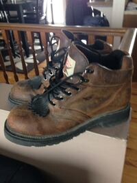 pair of brown leather work boots St. Clements, R0E