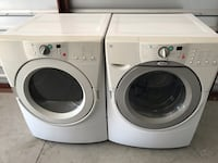 Whirlpool Front Loader Washer and Gas Dryer Set  Santa Clarita, 91350