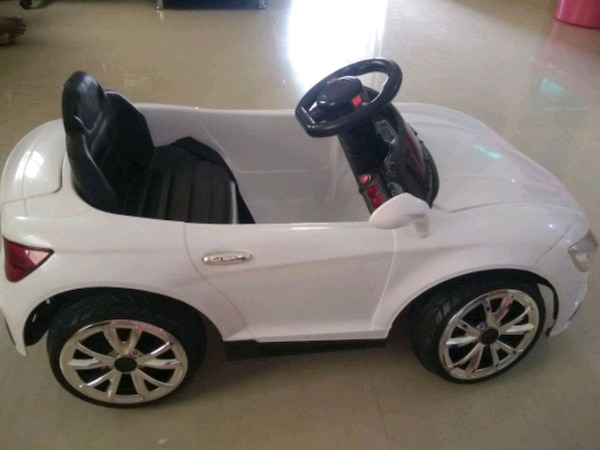 Toy car for kids operated with remote.