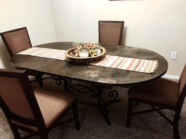 Rustic Extendable Dining Table With 4