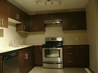 Beautiful 2 bedrooms apartment in 17th ave near DT Calgary, T3H 2J3