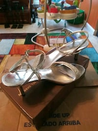 Silver shoes/Size 10 Austell, 30106