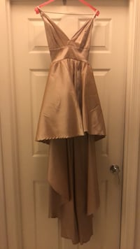 Windsor/high-low taupe dress size (4) 3\\cash app me @$Cian2Young Upper Marlboro, 20772