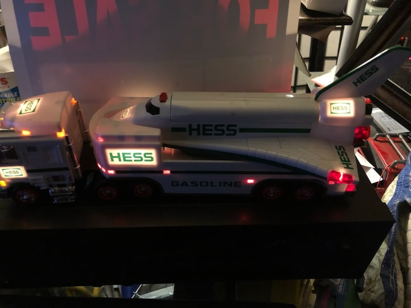 Hess collectibles- Truck & Space Shuttle f5ad942f-b33e-491a-9fee-8fbca9a40926