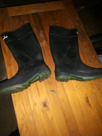 New* Pair of ALL-WEATHER Boots-Size 9*